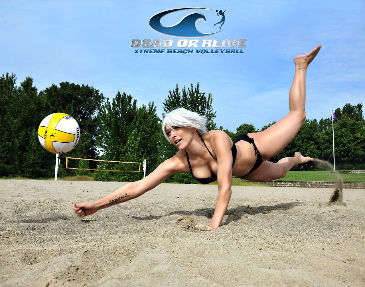 Miss Sinister As Christie From Dead Or Alive Xtreme Beach Volleyball Beach Volleyball Cosplay Best Cosplay