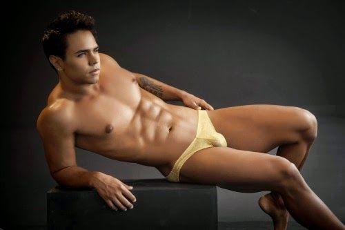erotic-pics-men-in-underwear