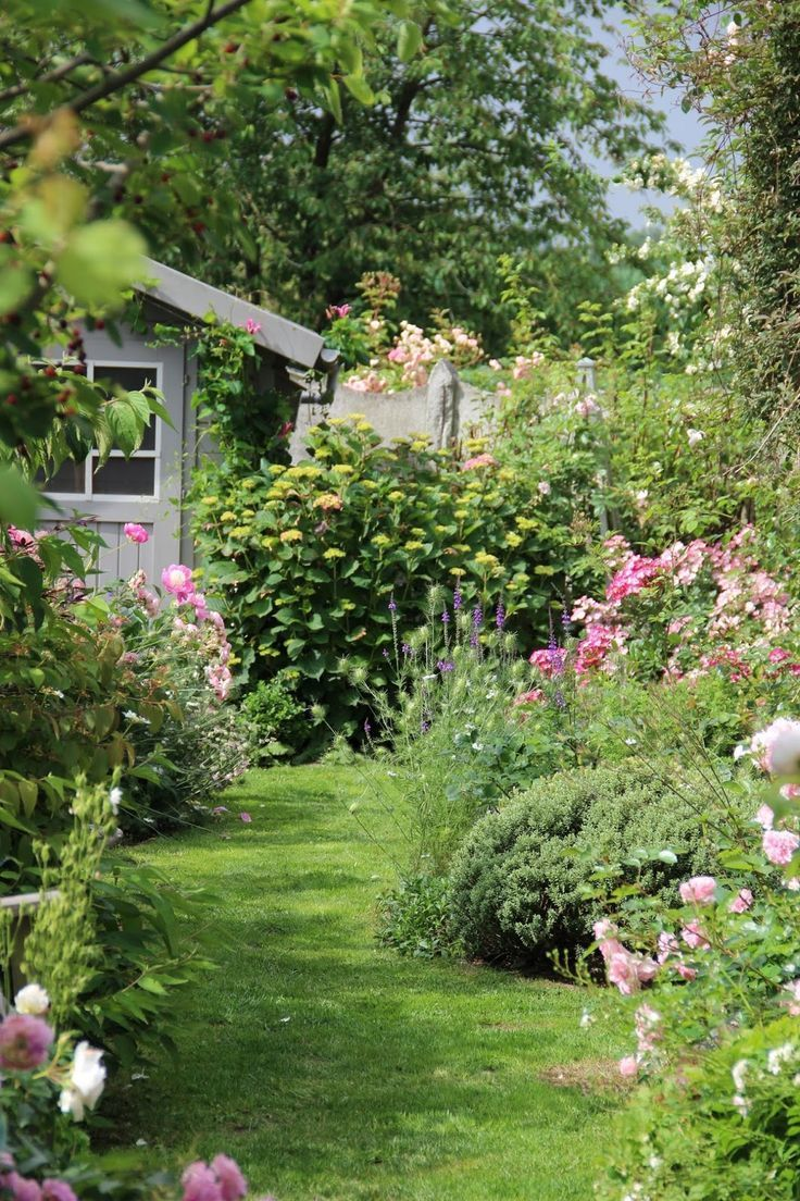 Derriere Les Murs De Jardin Periple En Belgique Jour 2 Un Petit Tour Haus Dekoration Garten Cottage Garten Bauerngarten