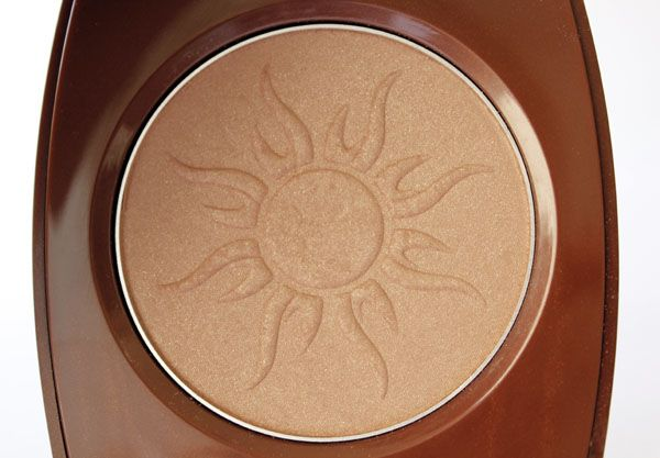 avon glow  http://makeupandmore.net/wp-content/uploads/2012/07/0034.jpg