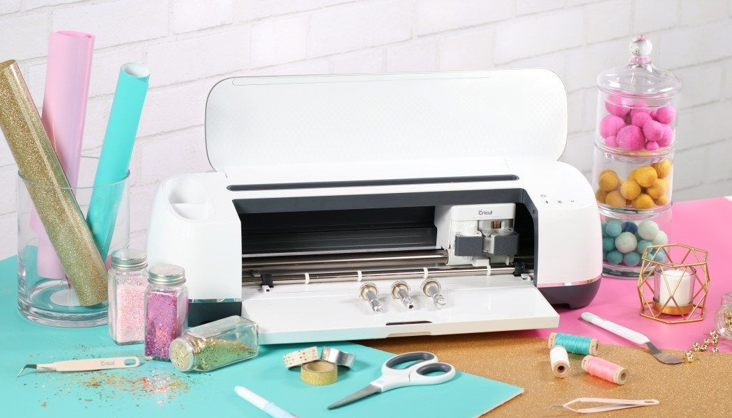 Cricut Hacks Every Crafter Needs To Know! #cricuthacks Cricut Hacks Every Crafter Needs To Know! - Sweet Red Poppy #cricuthacks