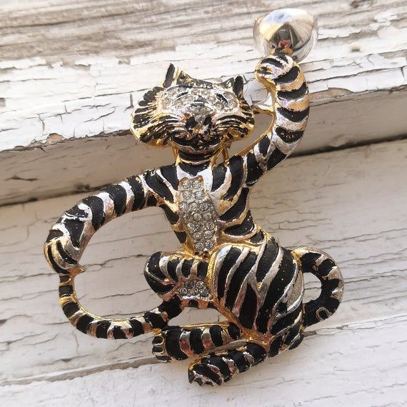 SILSON Antique Fur Clip 1940 PATENT Enamel Jewelry Vintage Tiger Pin Figural Pin, Rhinestone Pin, Fashion Accessories, Vintage Jewelry  SILSON Antique Fur Clip 1940 PATENT Enamel Jewelry  #Accessories #Antique #Clip #Enamel #Fashion #Figural #für #Jewelry #Patent #Pin #Rhinestone #SILSON #Tiger #Vintage