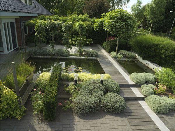 De gekozen beplanting is zeker belangrijk voor het eindresultaat de strakke vormgeving wordt - Moderne tuin ingang ...