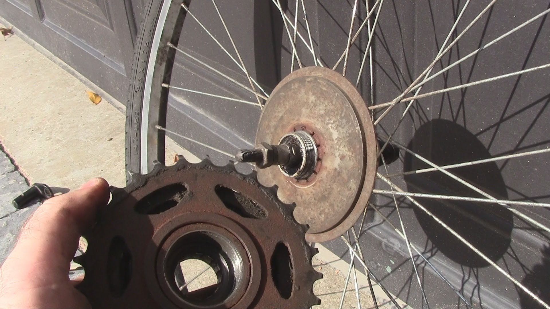 How To Change A Freewheel Cassette On A Bicycle Bicycle Change
