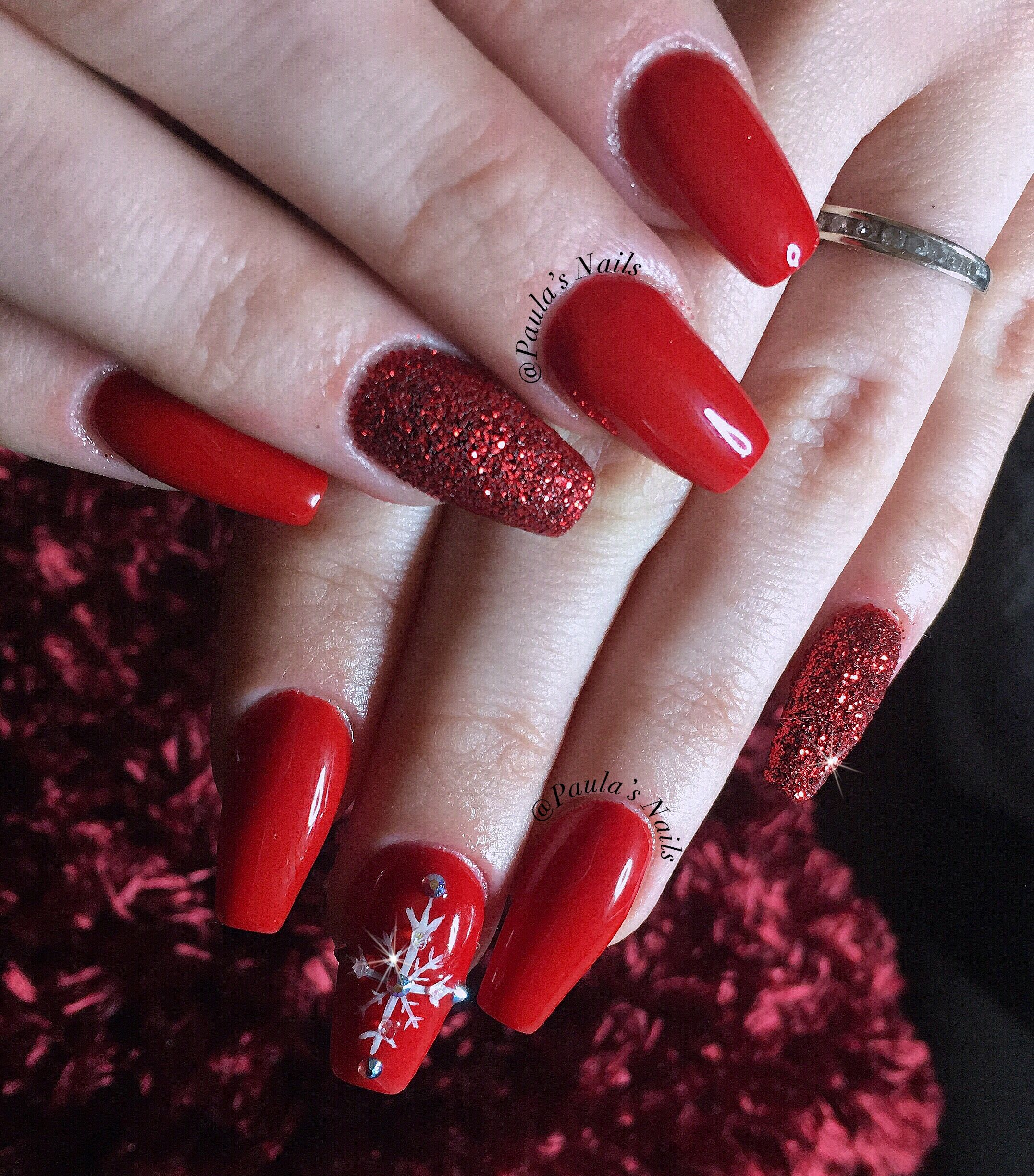 Red Christmas Nails #sparkle | Nails | Christmas Nails