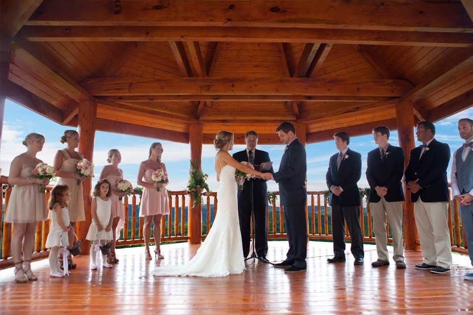The Lodge At Brothers Cove Is A Beautiful Smoky Mountain Wedding And Event Venue Located In Gatlinburg TnPigeon