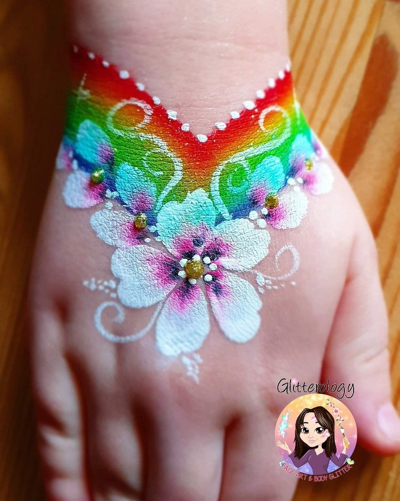 Pin By Mar Hernandez On Face Paint Girl Face Painting Face Painting Flowers Face Painting Designs