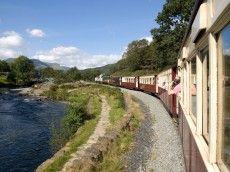 Ffestiniog Railway - Porthmadog to Blaenau Ffestiniog & Welsh Highland Railway from Caernarfon #dogfriendly