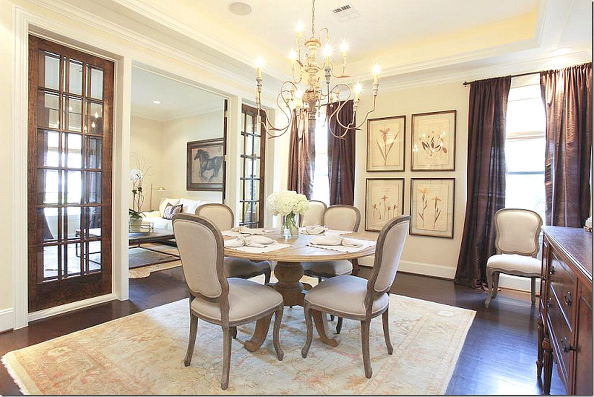 Love Separating Dining Room And Living