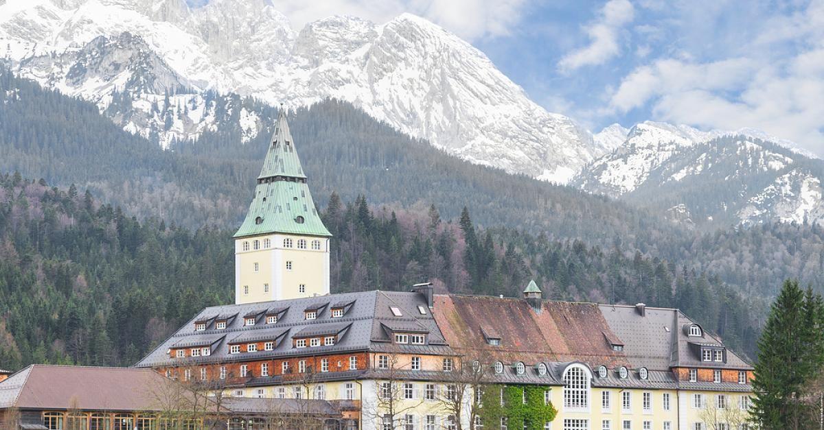 #Schloss Elmau: Yoga-Erlebnis auf Schloss Elmau - FOCUS Online: FOCUS Online Schloss Elmau: Yoga-Erlebnis auf Schloss Elmau FOCUS Online…