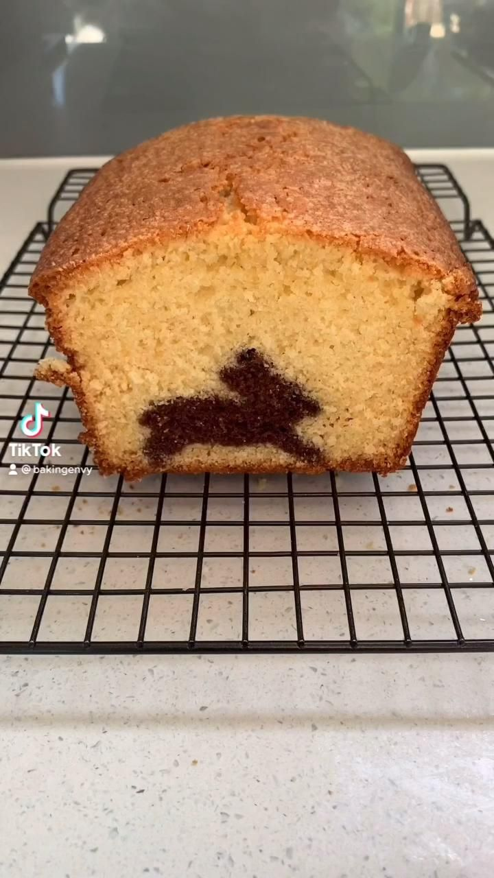 Easter Bunny Pound Cake 🐰 (link to recipe!!)