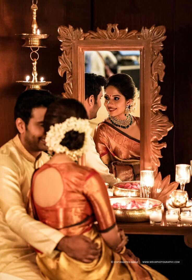 Some Best Mesmerizing Off-Beat Mirror Wedding Poses You Must Have Them for Your Wedding