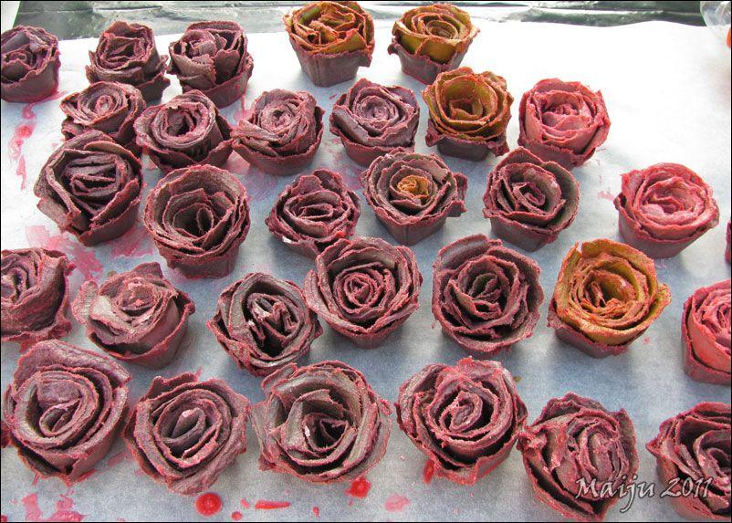 -maijun- tekeleitä: Ruusuisia sytykkeitä
