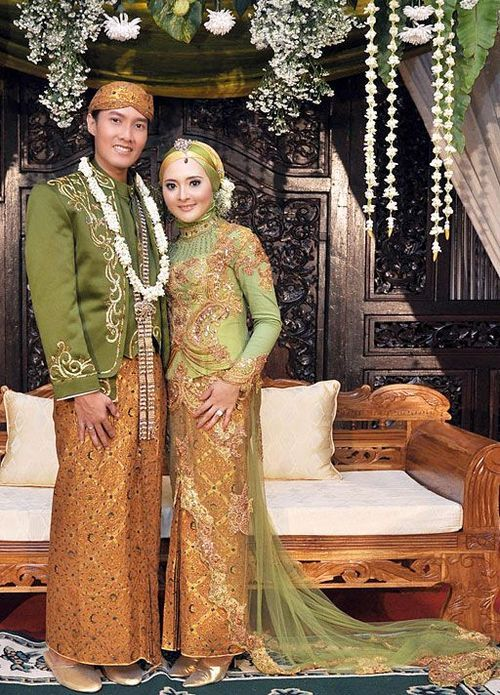 Busana Pengantin Berjilbab Adat Jawa Pengantin Pernikahan