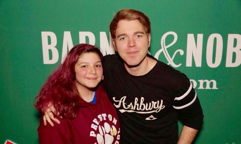 Aw I just got home from the @shanedawson book signing event! I'm so happy now! Thank you Shane! I love you!