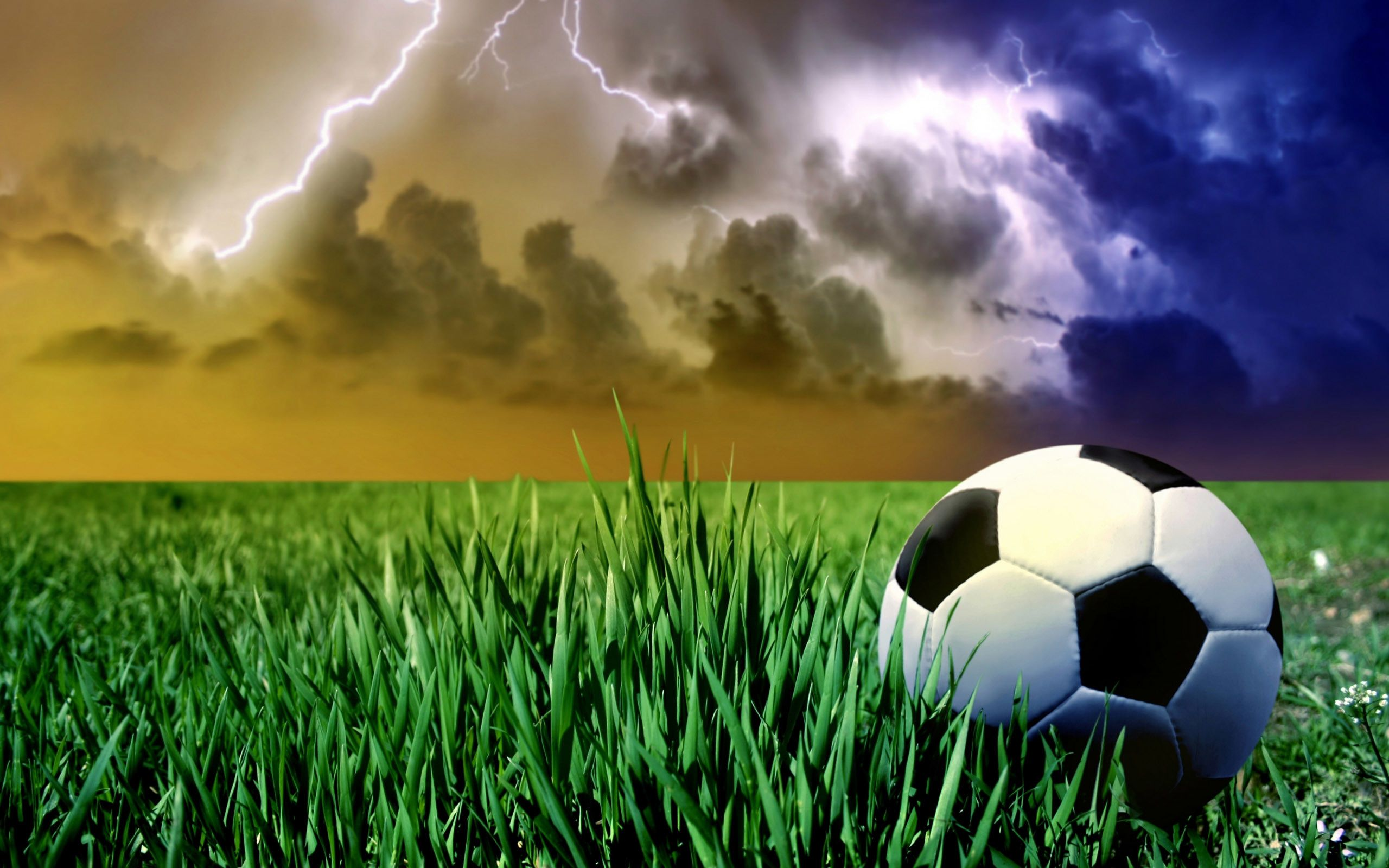 70 Cool Soccer Wallpapers On Wallpaperplay Sports Wallpapers Soccer Ball Soccer