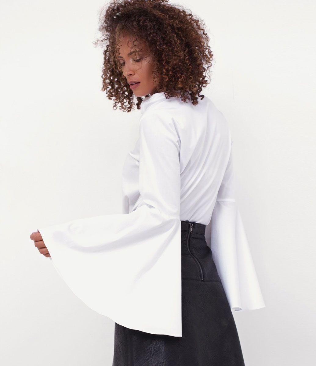 Camisa feminina Manga longa Gola padre Com manga sino Marca  Marfinno  Tecido  tricoline Modelo veste tamanho  P Medidas do modelo  Altura  1 bbfd6672bac