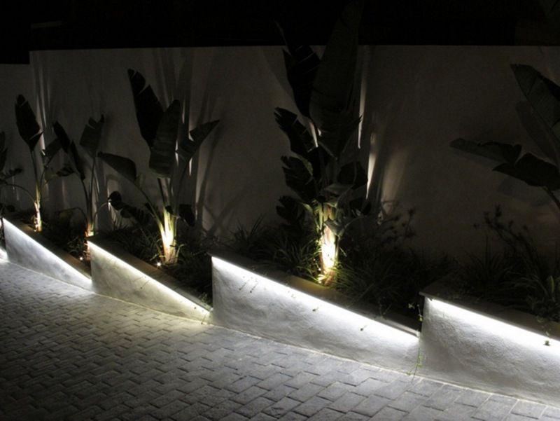 längliche Outdoor Leuchten Modell Thin 66 von Linea Light Group