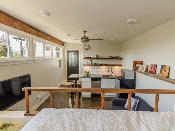 Garage Converted Into 250 Sq Ft Tiny House Now For Sale แบบห องเล ก การออกแบบบ านหล งเล ก บ าน