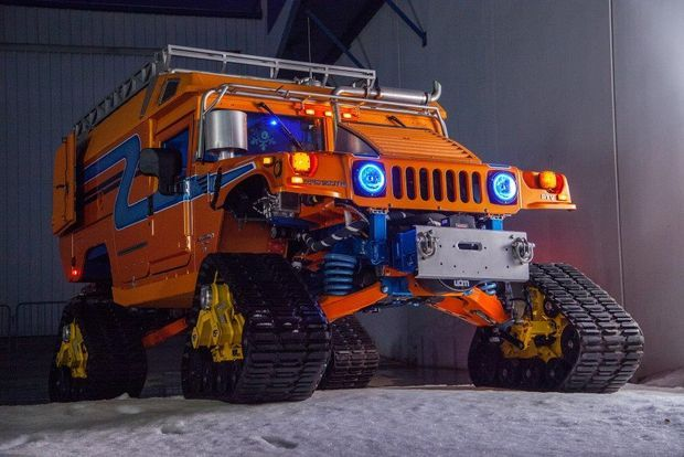 Picture Of Antarctica Bound Hybrid Electric Hummers Visit Pier 9