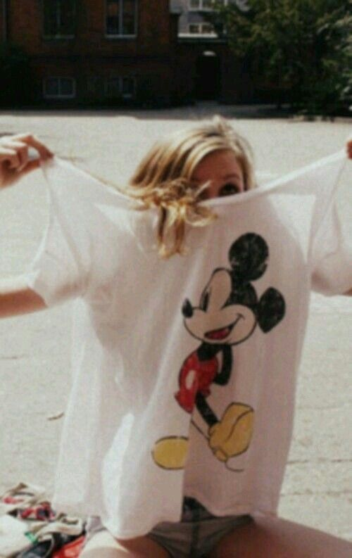 Bild über We Heart It #blond #grunge #hair #hipster #mickeymouse #shirt #soft #style #vintage #white