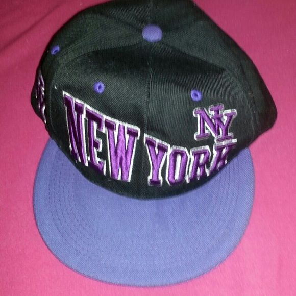 New York snap back Snapback used only a few times still in great condition. Accessories