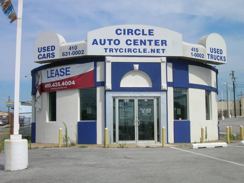 The Circle BARBQ building is still standing , on Dundalk