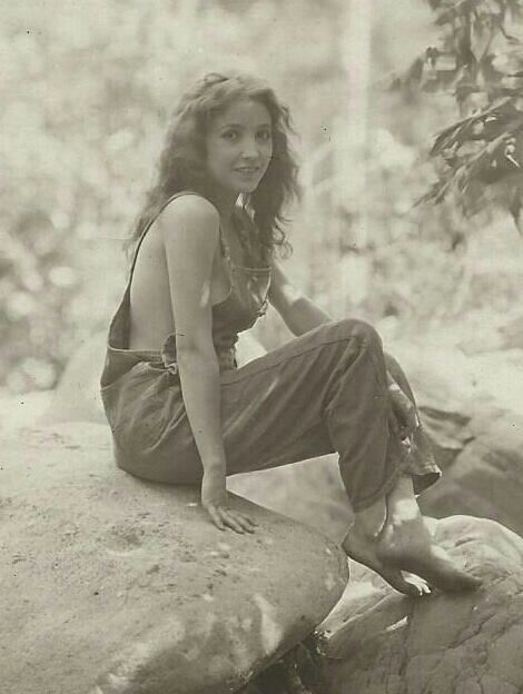Unknown silent movie star