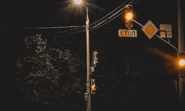 """Some Of Us Are """"Street Light Moms"""", And That's Okay."""