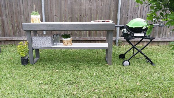 DIY outdoor buffet made out of that Home Depot bench plus tiles and stain.
