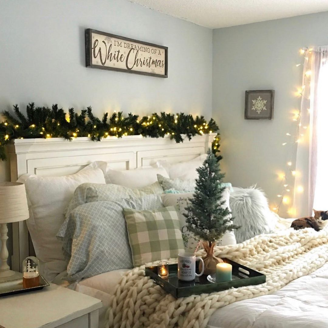56 Best Christmas Bedroom Decor Ideas For A Positively Jolly Night Sleep Christmas Fireplace Decor Christmas Decorations Bedroom Christmas Bedroom