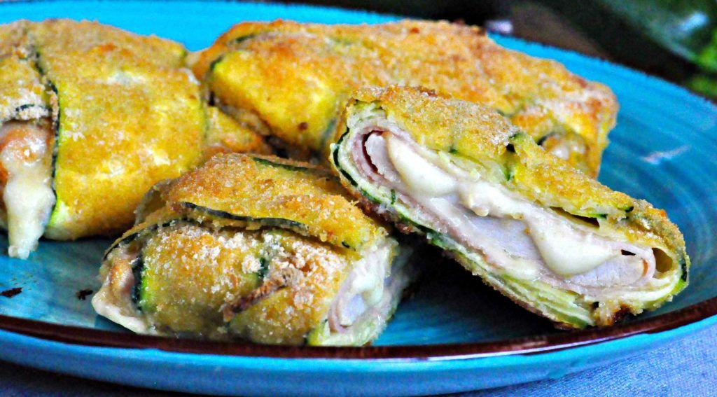 Involtini di pollo e zucchine: una ricetta buona, facile e leggerissima. Solo 300 calorie!