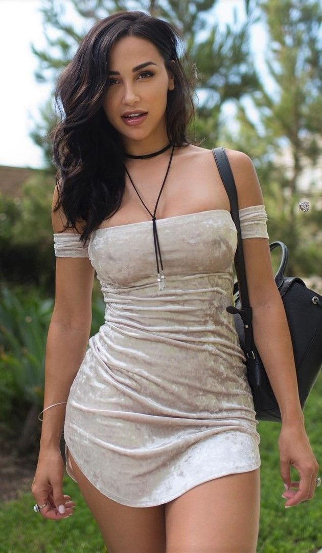 Pretty Sexy Girls in Dresses