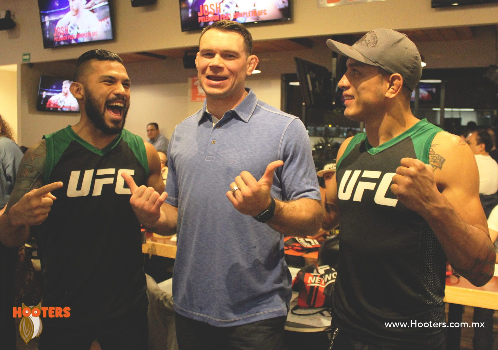 Pin By Hooters Mxico On Ufc Meet Greet Chuck Liddel Y Forrest