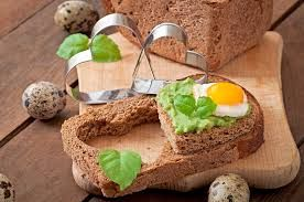 Risultati immagini per immagini uova di quaglia