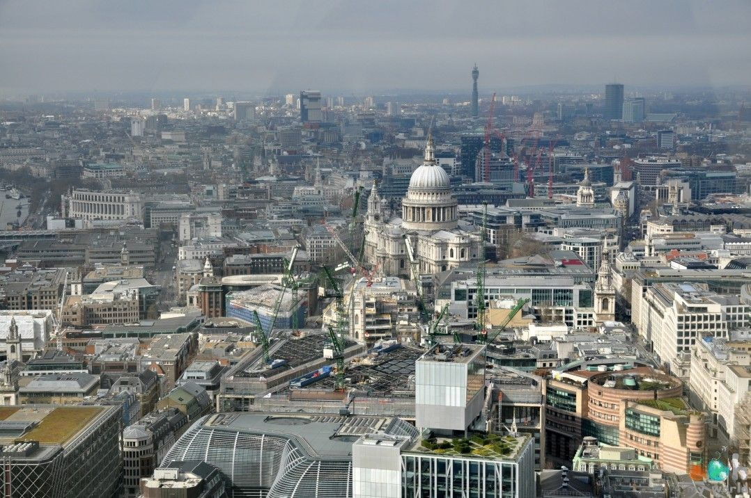 Cathédrale_St_Paul_de_Londres_depuis_Le_Sky_garden