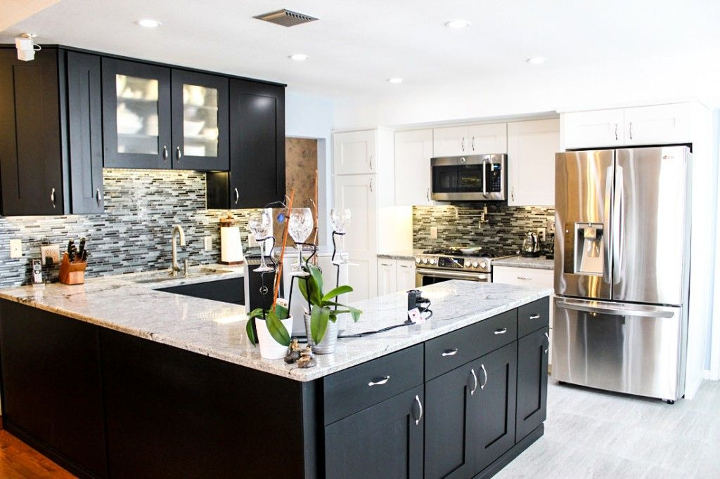 Best The Contrast Of The White Countertop With The Black 400 x 300