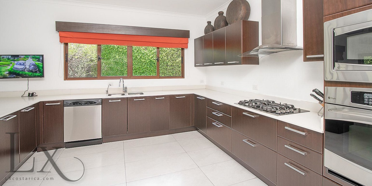Amazing Kitchen In Superb House Https Lxcostarica Com Property Superb House Hacienda Del Sol Santa Ana Costa Rica Luxury Kitchens House Cool Kitchens