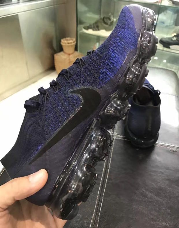 online retailer 09c98 c379a The Nike VaporMax will release in a new Midnight Navy colorway (Style Code   849558-400) this coming Spring 2017 season. Details on the new colorway  here