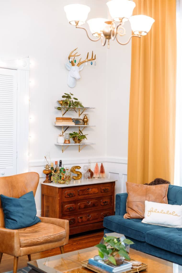 A Small, Cozy San Francisco Apartment Has the Cutest Mid ...