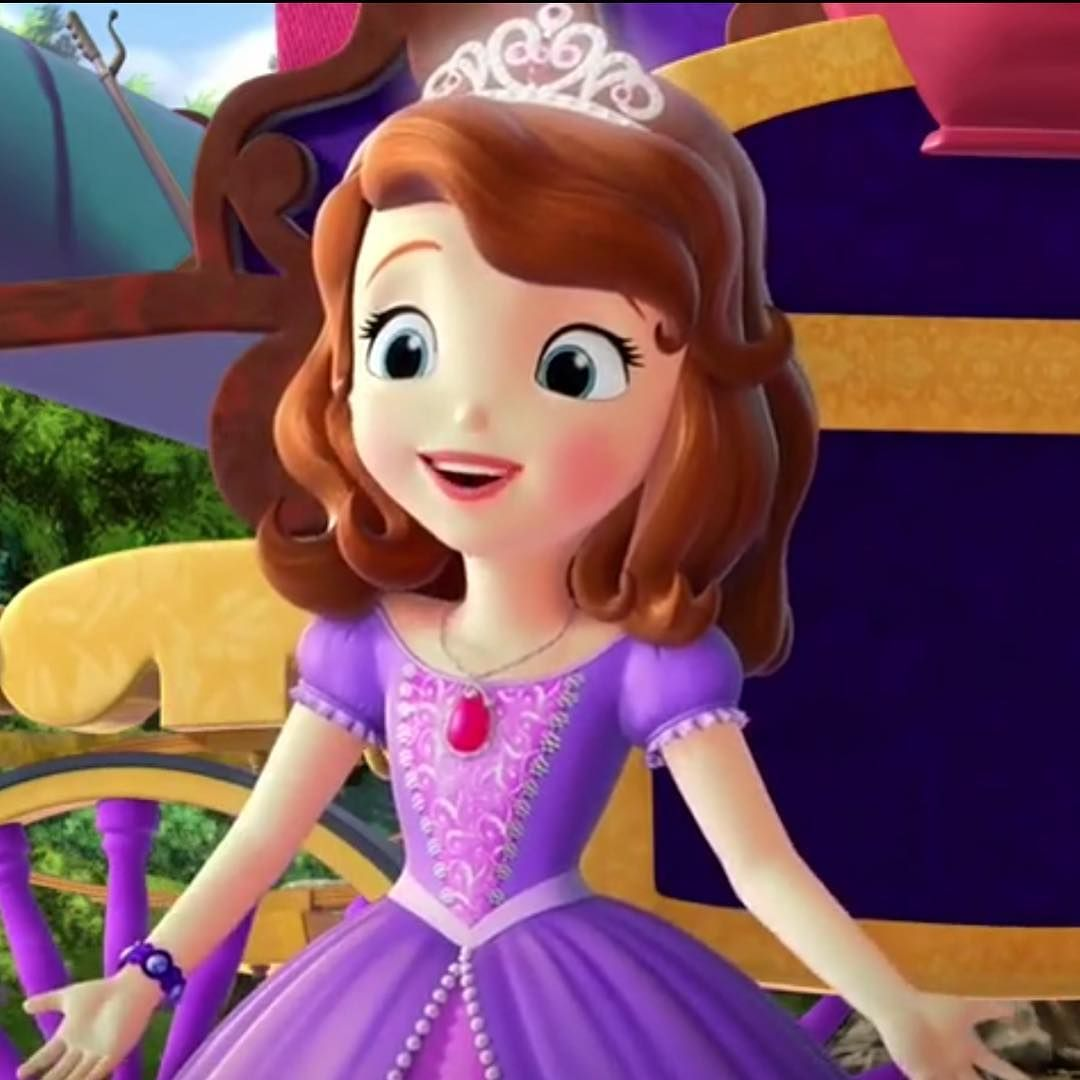 Princess Sofia Presents In Her New Dress And Pink Amulet Disney Princess Sofia Princess Sofia Princess Sofia The First