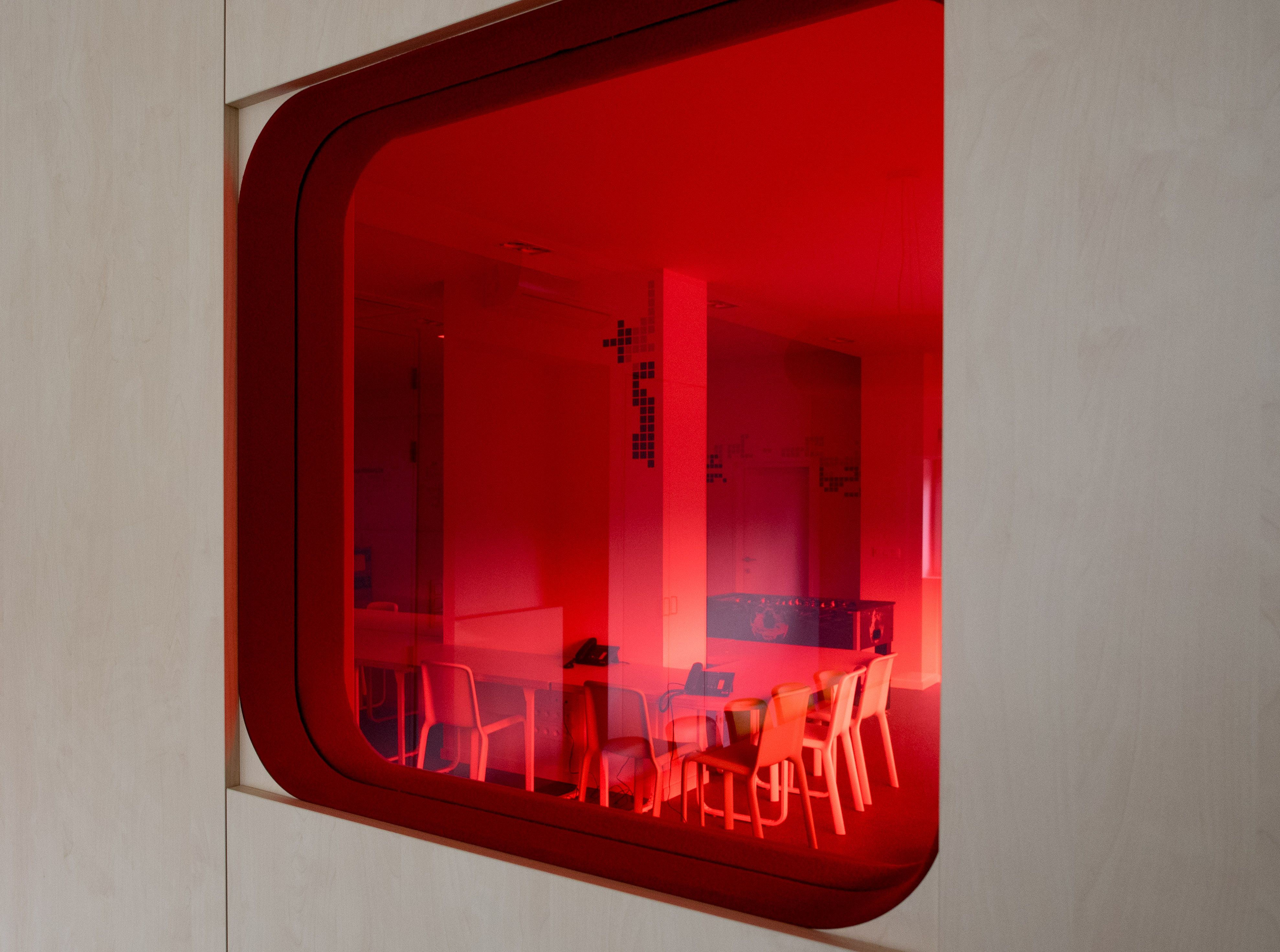 Design: www.hippo-architecten.be Execution: Romulus & Remus #red ...