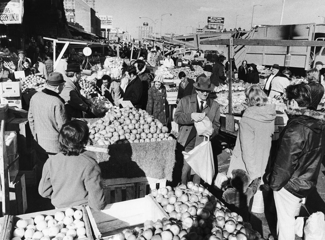 Busy Shoppers Prepare For Thanksgiving 1972