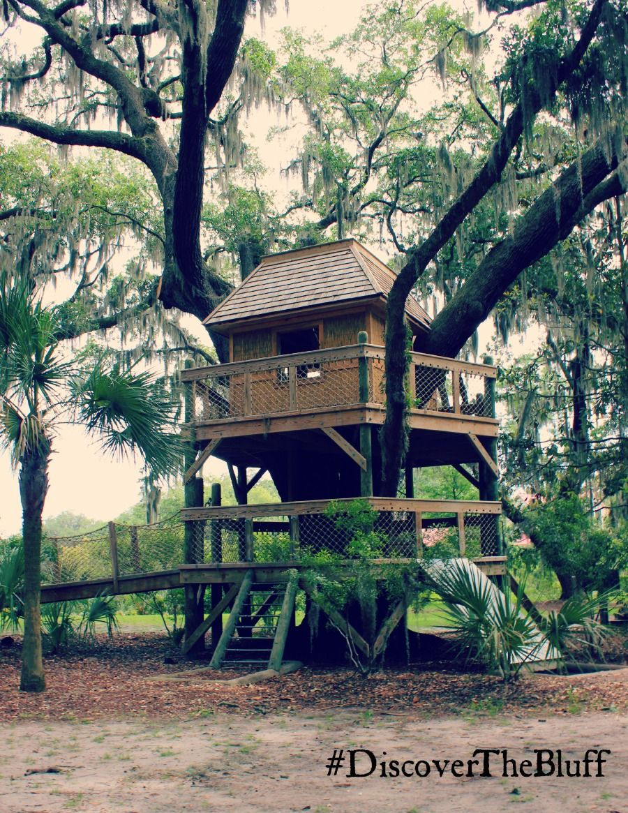 this treehouse at palmetto bluff was constructed around a