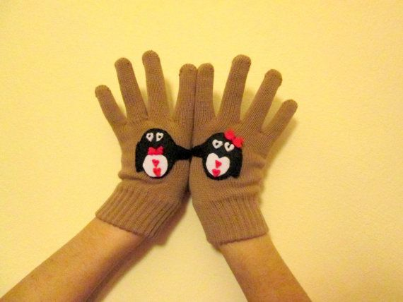 Valentine's Day Gift  Buff Wool Woman Gloves Penguin by IMUNIVERSE, $25.90