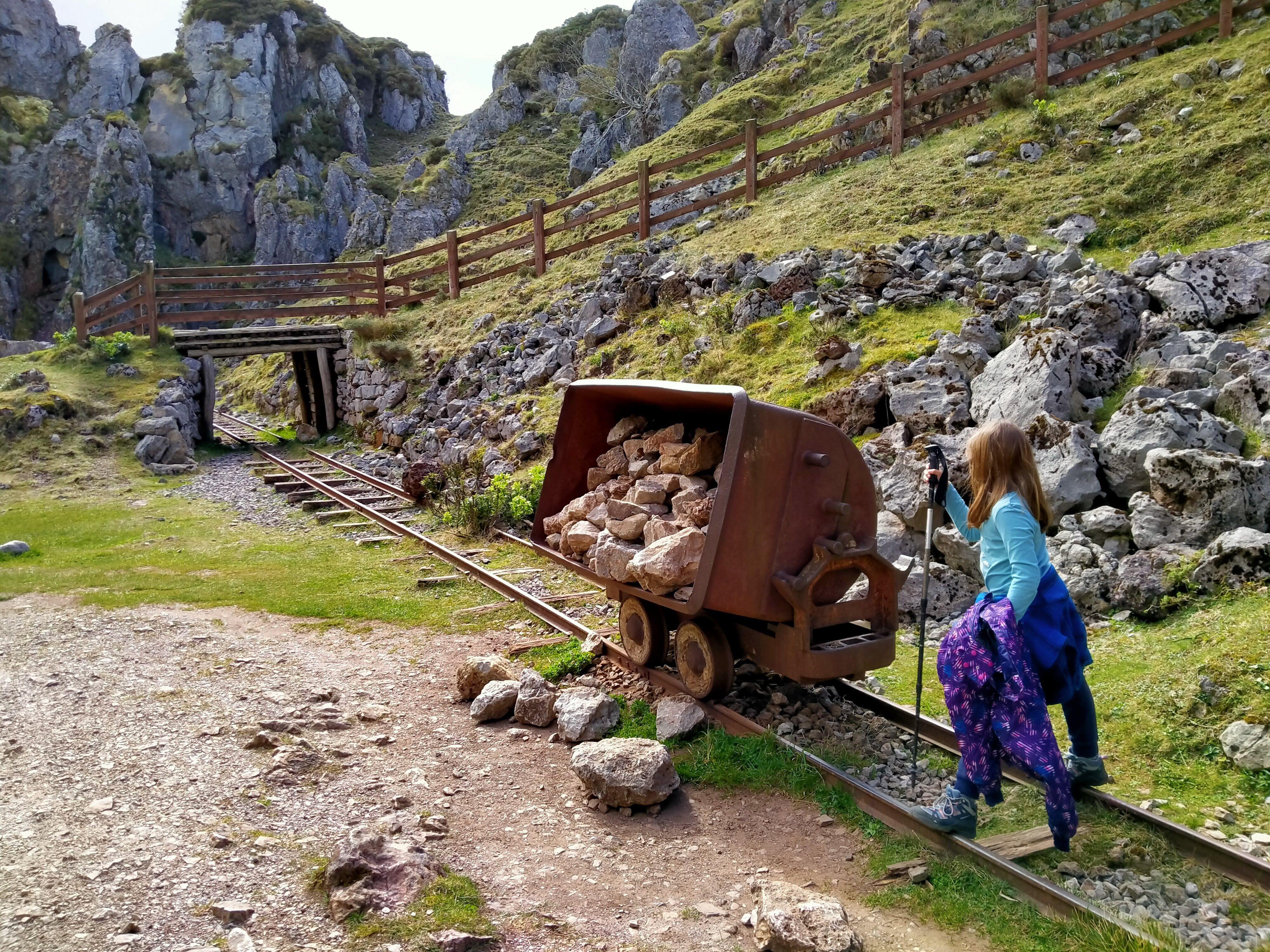 Ruta Por Las Minas De Los Lagos De Covadonga Lagos De Covadonga Lagos Rutas