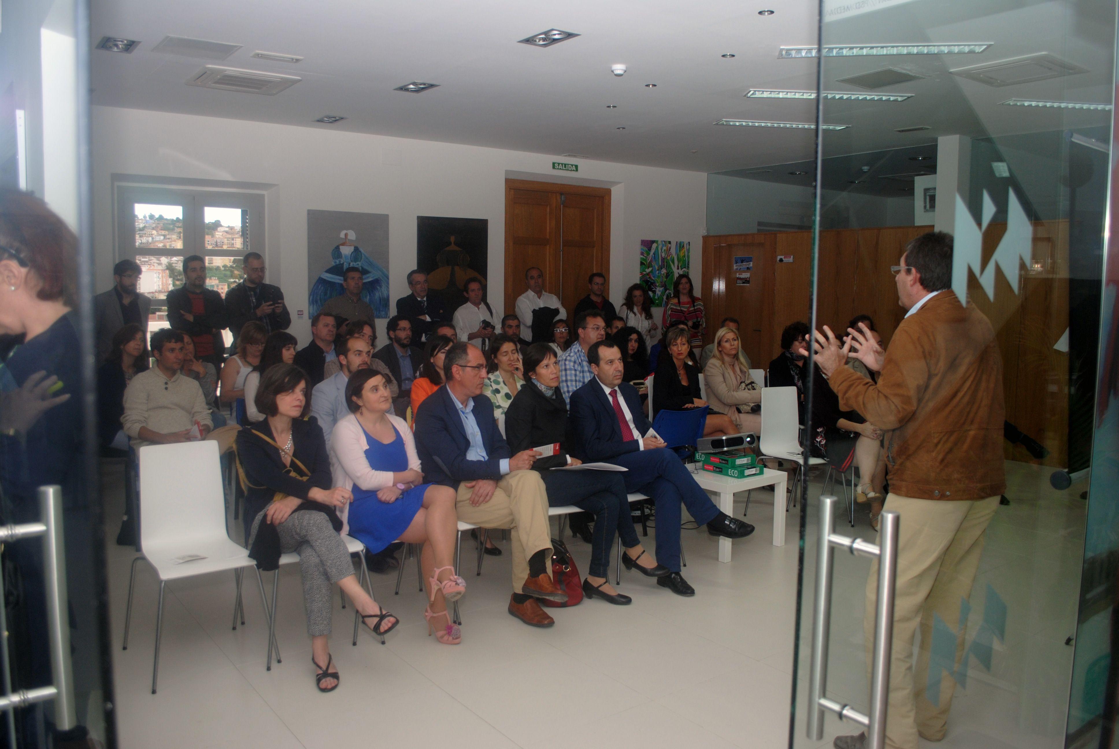 Presentación de Smart Ibérica, Cooperativa de Impulso empresarial. Diciembre 2013. David Pino, director de CADE Estrategias en Sevilla