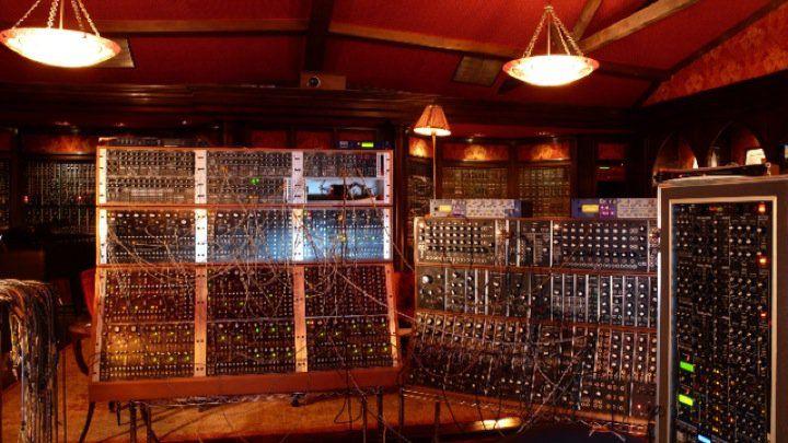 Hans zimmer modular synth modular pinterest for Zimmer 0 studios elda