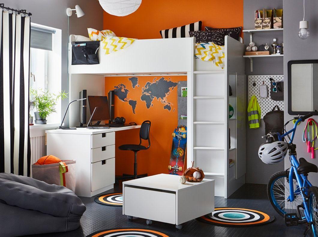 Chambre De Pré Ado Noire, Grise, Orange Et Blanche, Avec Lit Mezzanine Et  Bureau STUVA Blancs, Avec Rangements Intégrés.