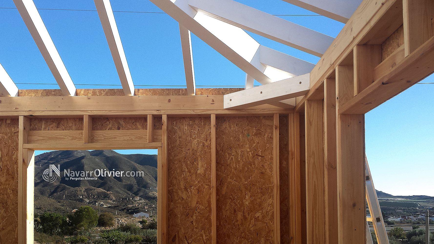 Construcción en madera con entramado ligero. Vivienda con cubierta a ...
